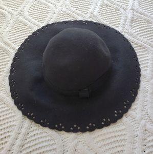 Tarnish Black Wool Hat